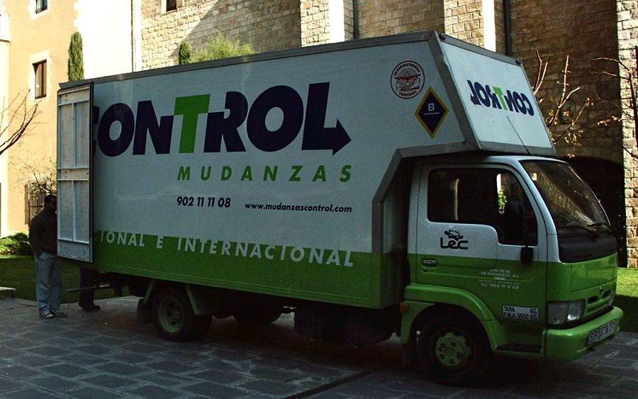 Camión para mudanza tipo capitoné (acolchado)