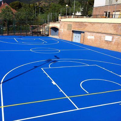 Construcción de cancha para balonmano y baloncesto