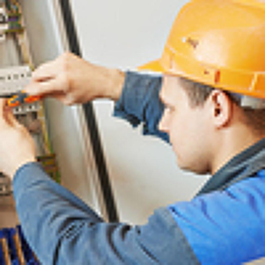 Reparar o remplazar elementos de un sistema eléctrico