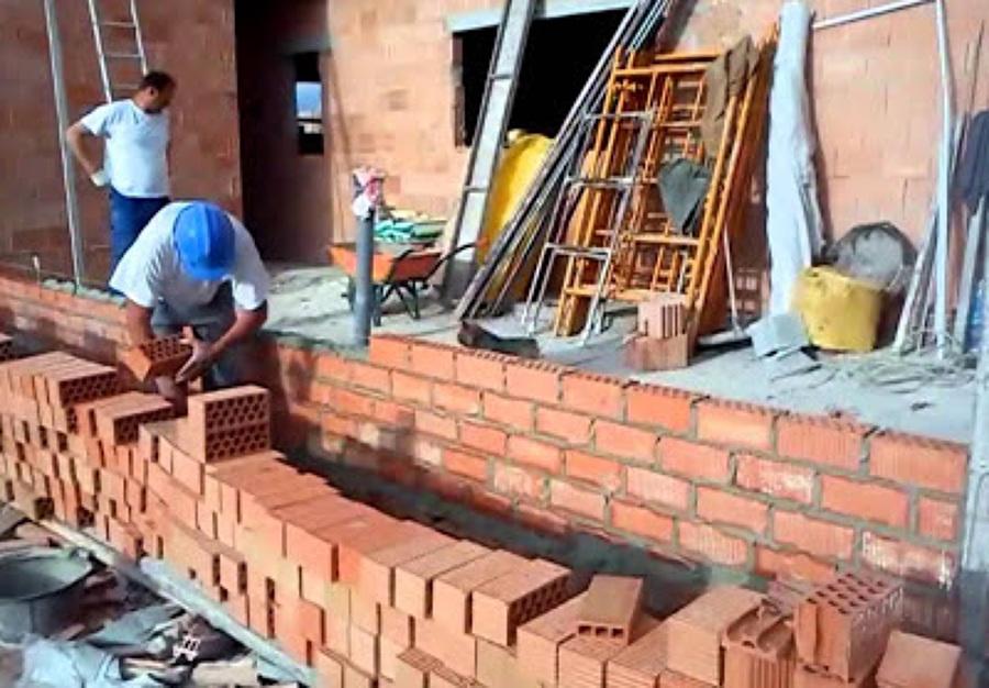 Instala reglas y construye muros