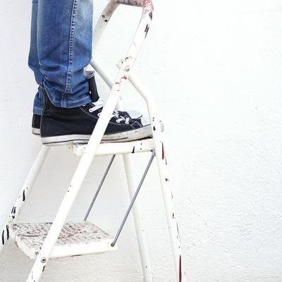 Alisar las paredes y pintar