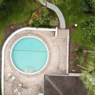 Reducir fondo de la piscina