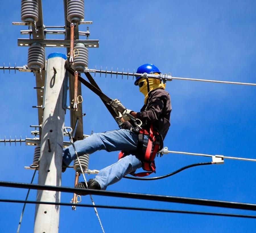 Revisar y mantener adecuadamente una instalación eléctrica