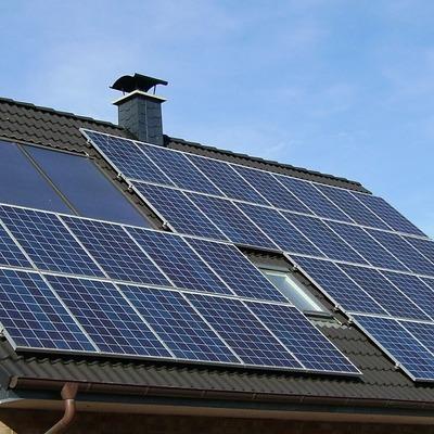 Energía solar foto-voltaica