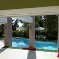 Detalle piscina y Quincho Casa Sauma
