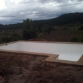 Piscina con escala rectangular