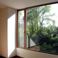 ventana de abatir con un fijo lateral