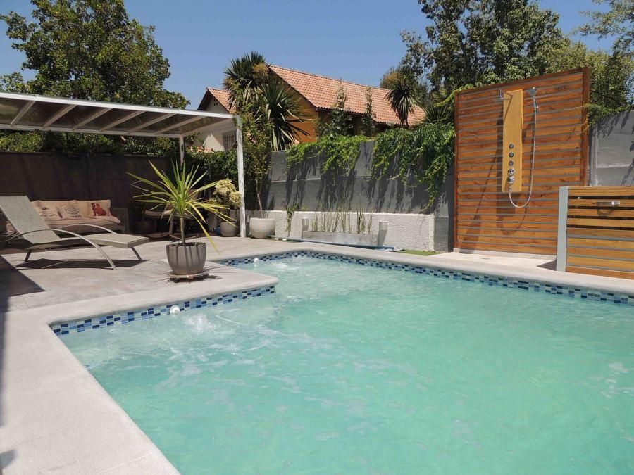 Exteriores con piscina