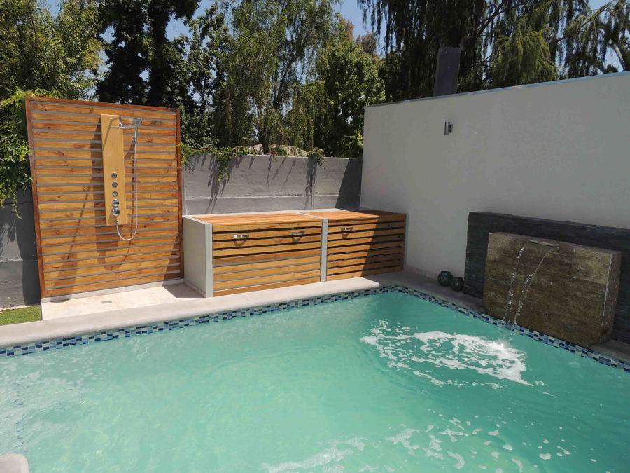 Bodega y Ducha para piscina