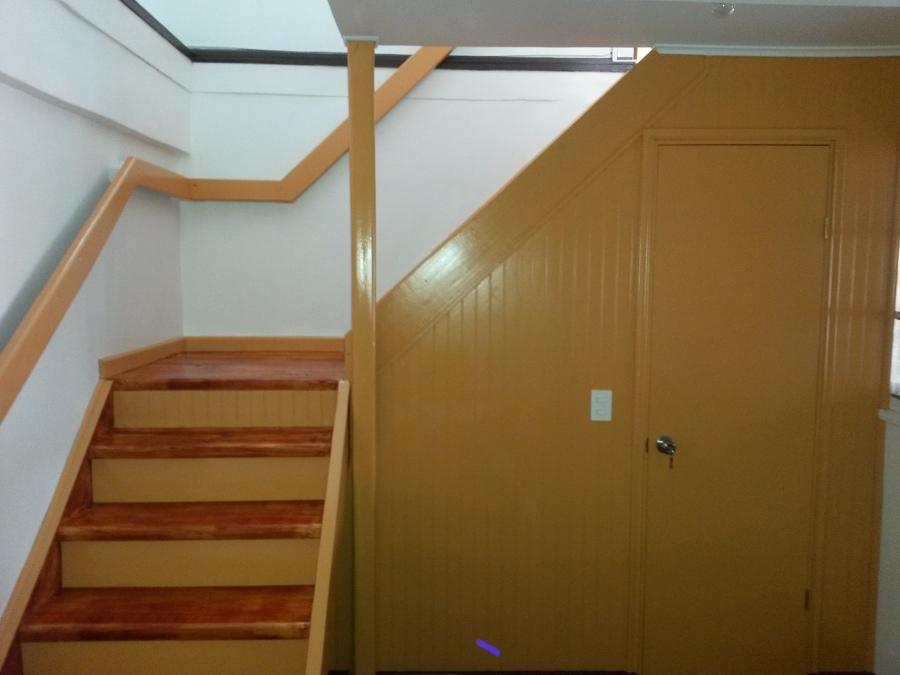 Foto fabricacion de escalera con descanso de proyecsan for Escalera de metal con descanso