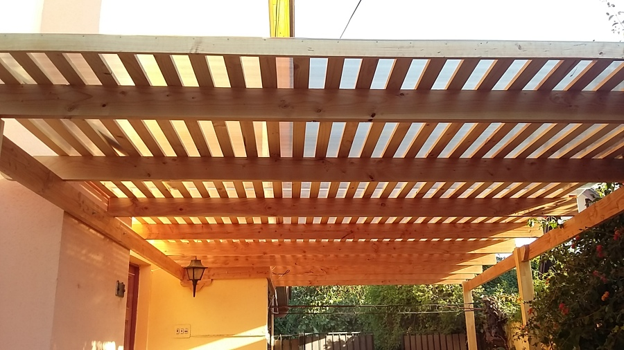 Foto techo estacionamiento autos de constructora vas for Cobertizos para patios