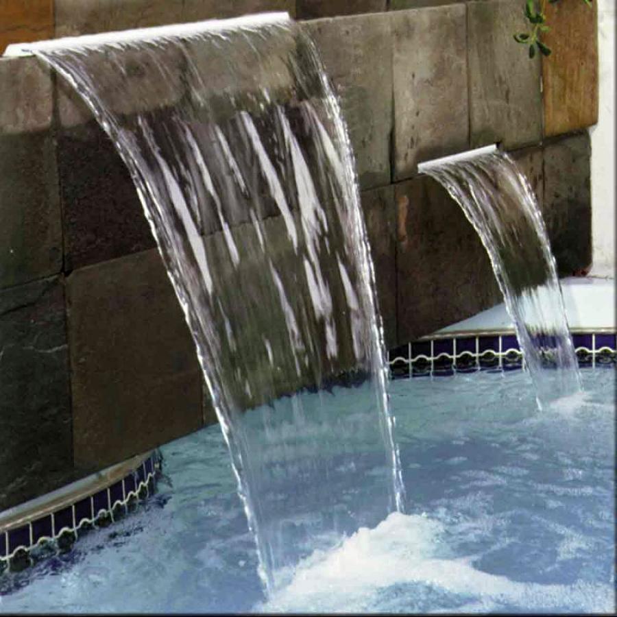Foto accesorios y cascadas de sercalchile 5884 habitissimo for Accesorios para piscinas cascadas