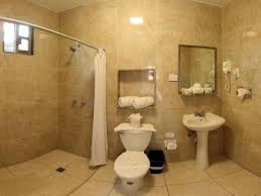 Foto ba o completo de remcocer 5107 habitissimo for Ver habitaciones de hoteles