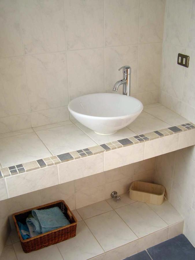 Foto ba o mueble en obra de arquitectonica visual 4394 - Muebles de obra para banos ...