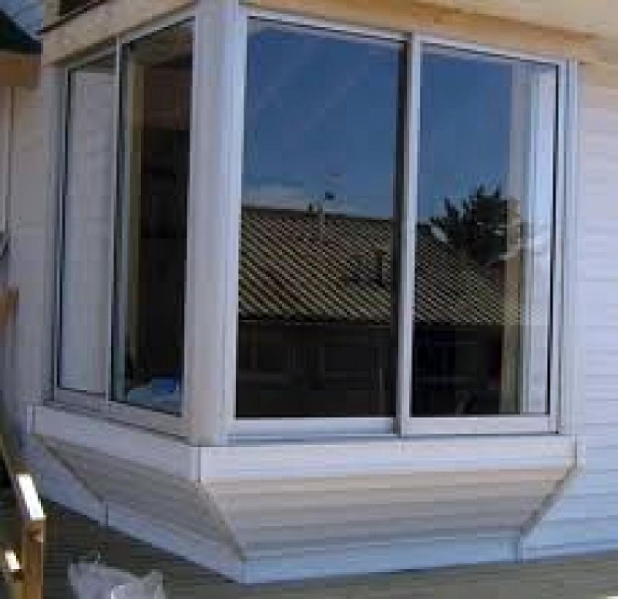 Foto bow window de alummart aluminios 11118 habitissimo for Modelos de ventanas de aluminio