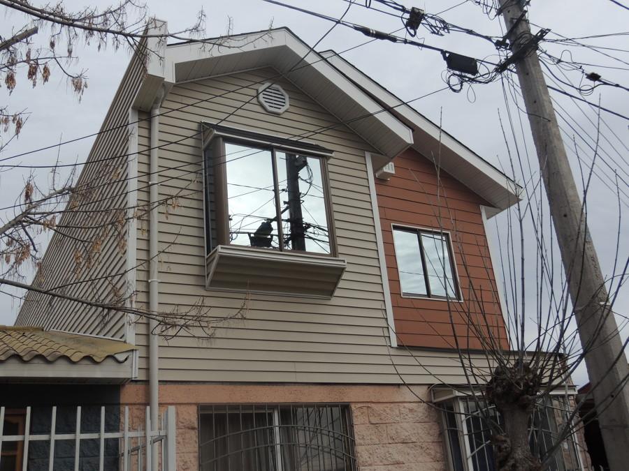 Foto casa estilo americano de rogavald construcciones for Casas estilo americano