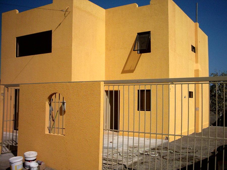 Construcción de casa de 2 pisos