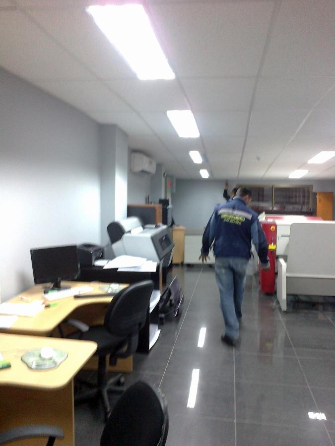 Foto construcci n de oficinas en pudahuel de constructora for Construccion de oficinas