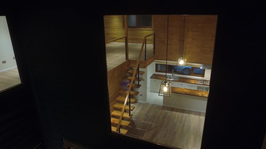 Escalera y Cocina