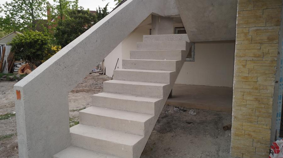 Foto escalera hormigon armado de constructora housepanel for Construccion de una escalera de hormigon