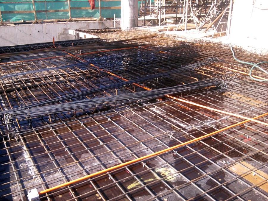 Foto enfierradura de loza de hormigon armado de for Construccion casas hormigon