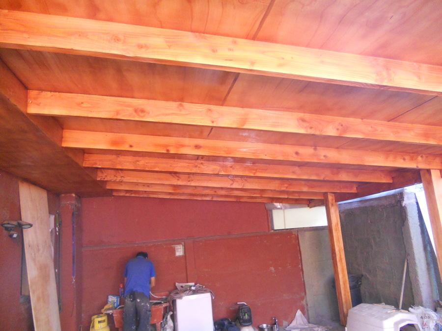 Foto fabricacion de cobertizo en madera de mantenciones for Cobertizo de madera tratada