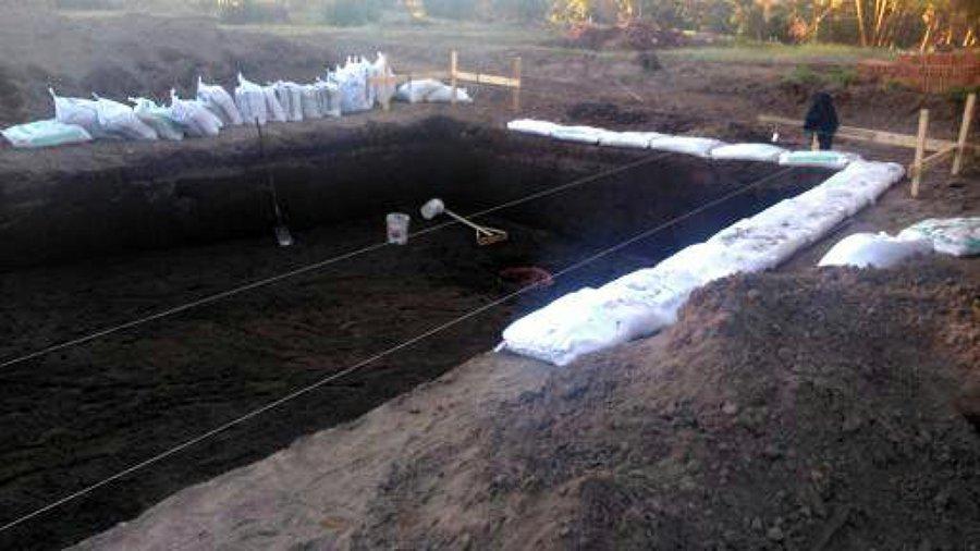 Foto fabricacion de piscina de g l strom 17112 habitissimo for Como construir una piscina de ladrillos