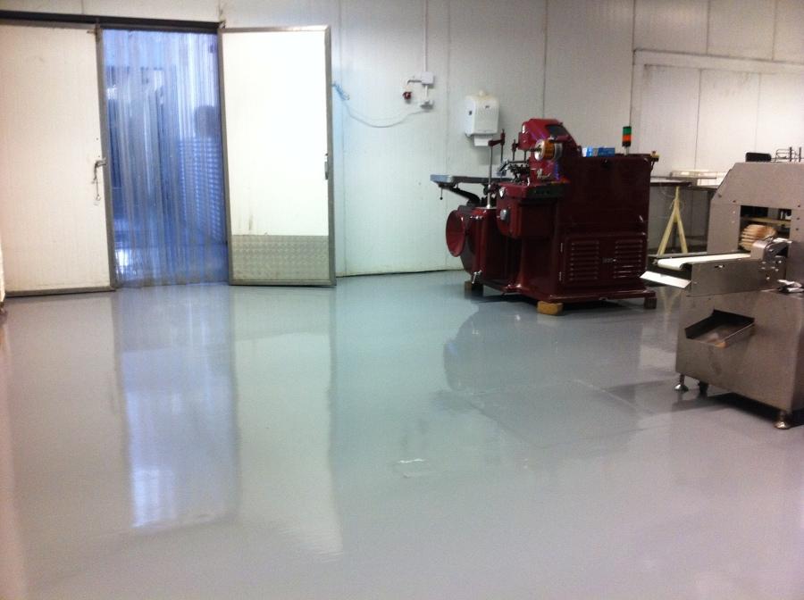 Foto reparaci n de pisos industriales de cipres for Baldosas para pisos interiores