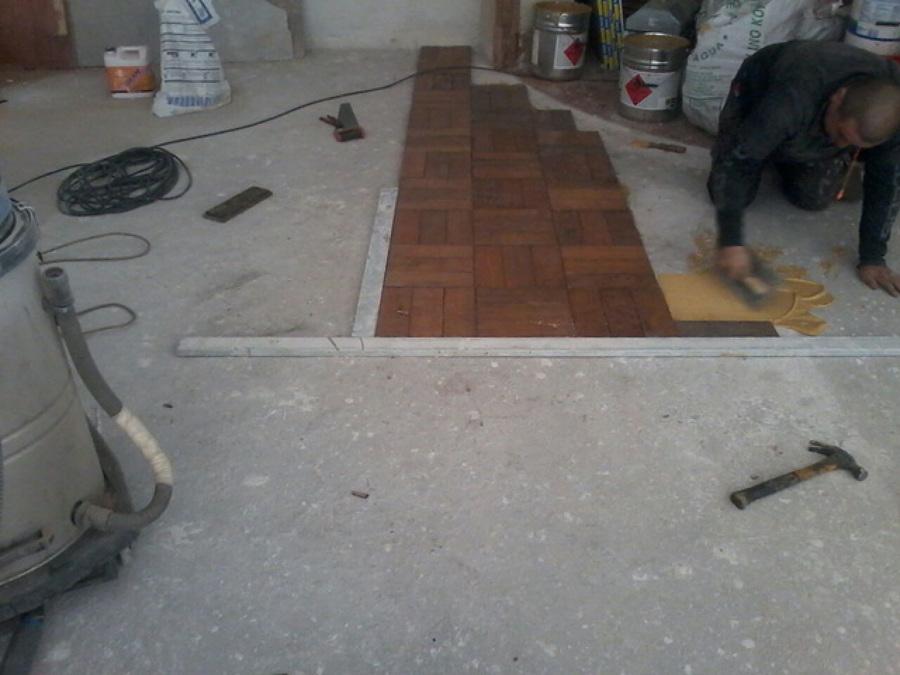 Foto instalaci n de piso parquet de pisos abizval 125222 for Instalacion de parquet
