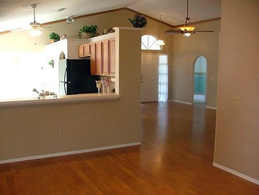 Foto instalador de piso flotante en todo santiago de for Decoracion dormitorios piso flotante