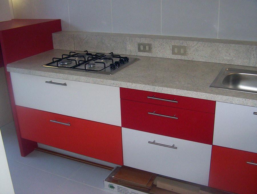 Foto mueble de cocina de deco silver e i r l 23247 for Mueble cocina en l