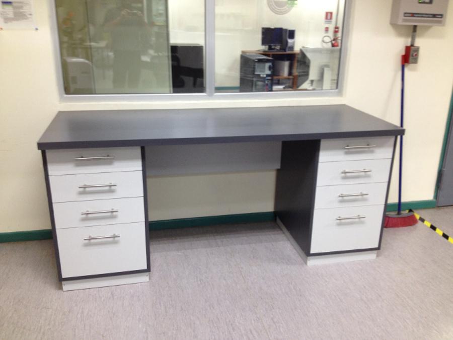 Foto mueble m4 escritorio planos cerrado de hohf for Mueble escritorio