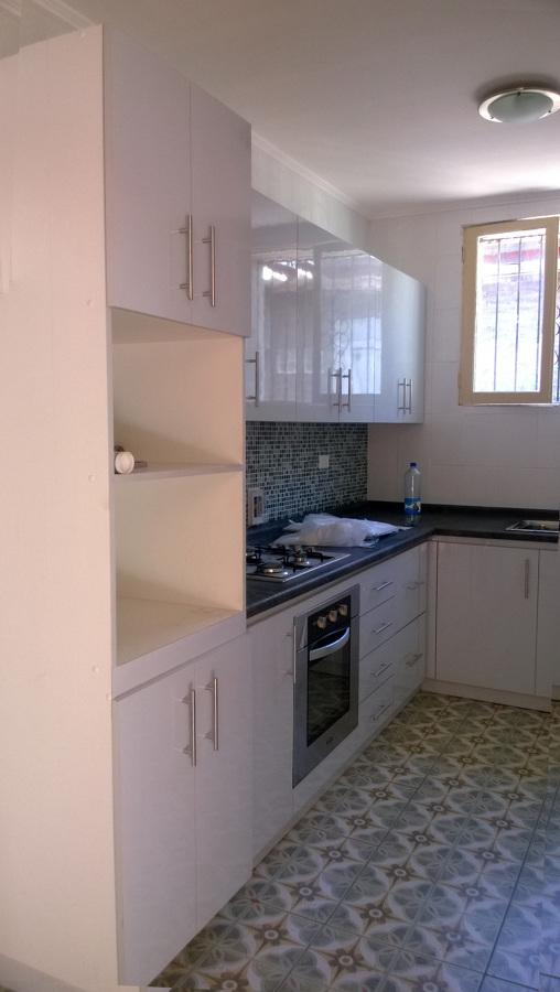 Foto muebles cocina y remodelacion casa salvador de for Muebles de cocina profesional