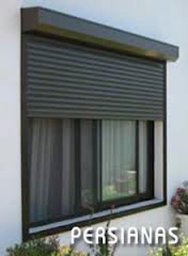 Foto persiana de exterior automatizada de - Cajoneras para exterior ...