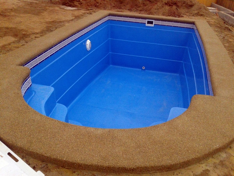 Foto piscina 6x3 de fulget granito lavado 15770 for Bordes de piscina