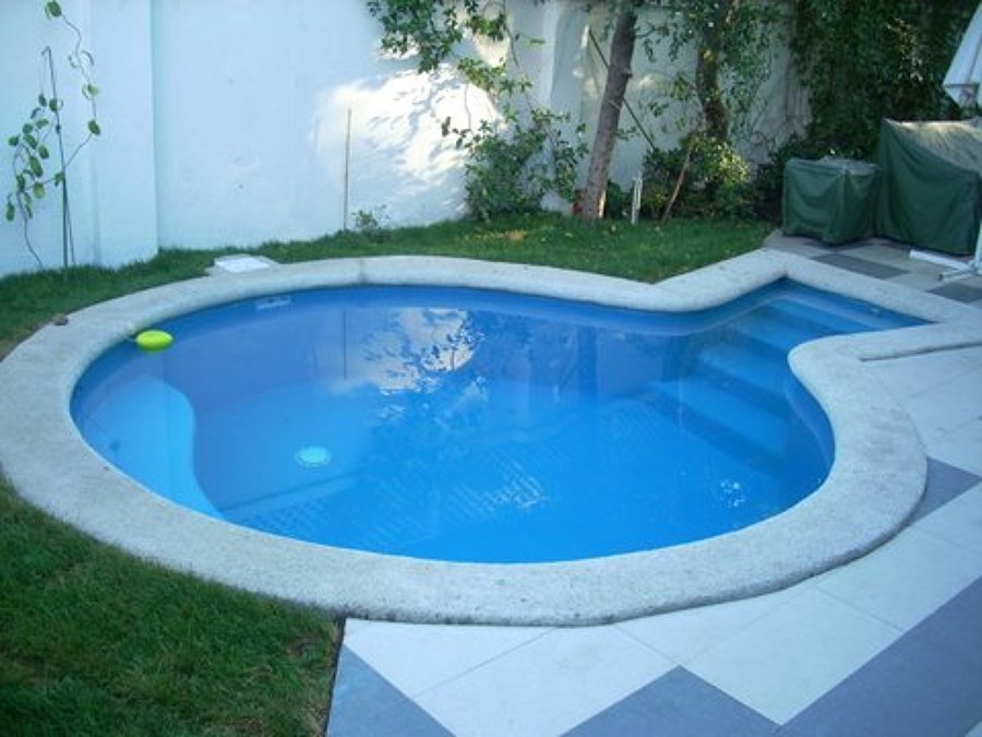 Foto piscina con asiento de arqsol cristian contreras arquitectos asociados 37053 habitissimo - Piscina hinchable con asientos ...