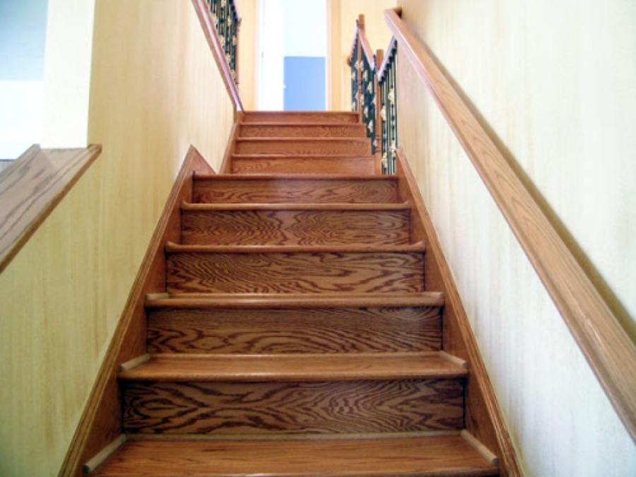 Foto piso flotante en escaleras de hpconstrucciones for Pisos para escaleras