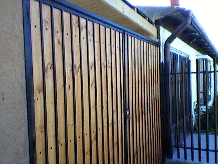 Foto port n fierro madera de menametales 18481 for Bar de madera y fierro
