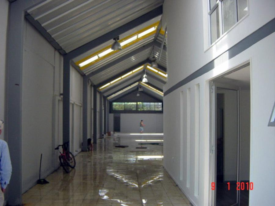 Proyecto y construccion galpon+oficinas ubicado en sector Recoleta, Santiago.