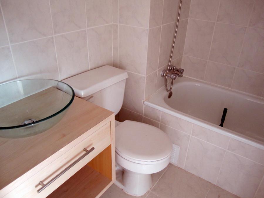 Foto remodelaci n ba o cer mica en piso y muros - Ceramica para banos ...