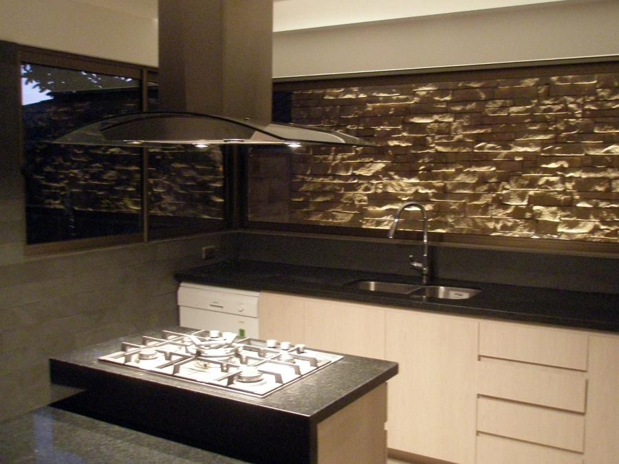 Foto remodelacion cocina casa fa1 3 lo barnechea de for Cocina profesional en casa
