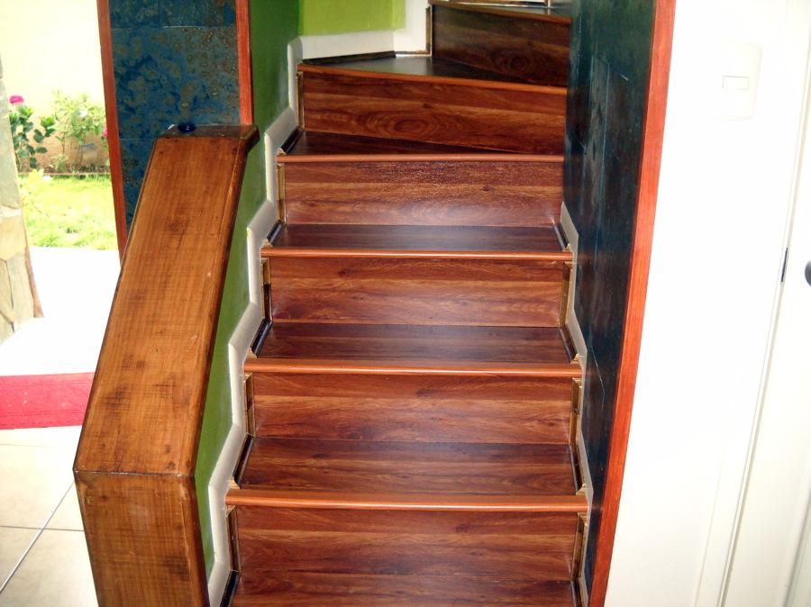 Foto revestimiento escaleras de instalador de piso flotante y revestimiento escaleras 16910 - Revestimiento para escaleras ...