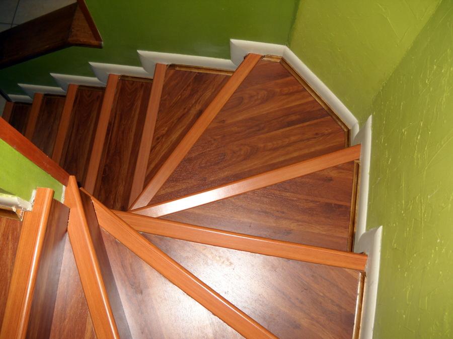 Foto revestimiento escaleras de instalador de piso flotante y revestimiento escaleras 16913 - Revestimiento para escaleras ...