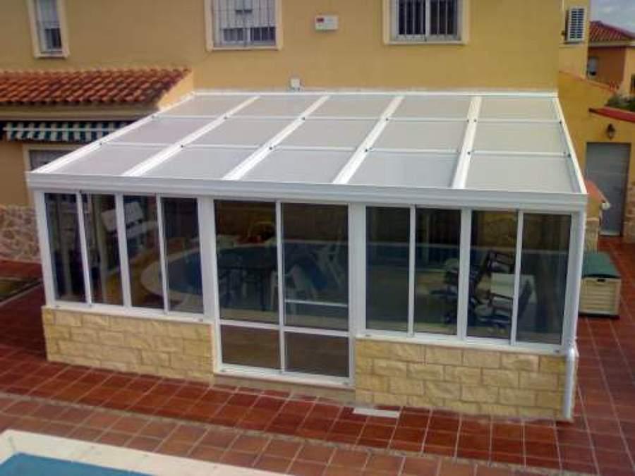 Foto techos en policarbonato de madealum 9805 habitissimo for Techos terrazas fotos