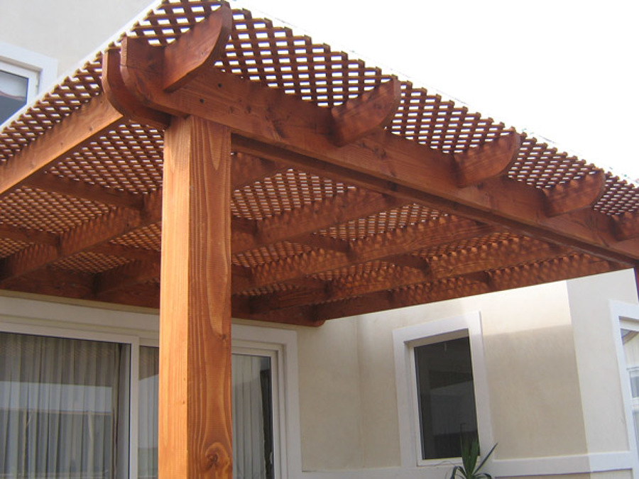 Foto cobertizos estacionamientos p rgolas stgo y v for Tejados de madera vista