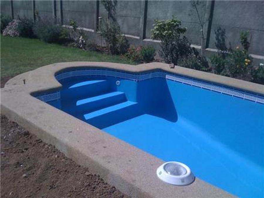 Foto trabajo de mantencion incluye pintura de piscina for Como construir una piscina de hormigon