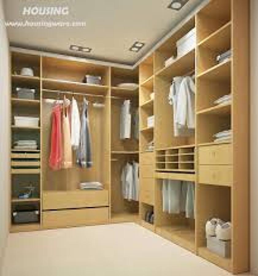 Foto walk in closet de tienda del campo 50530 habitissimo for Muebles walking closet