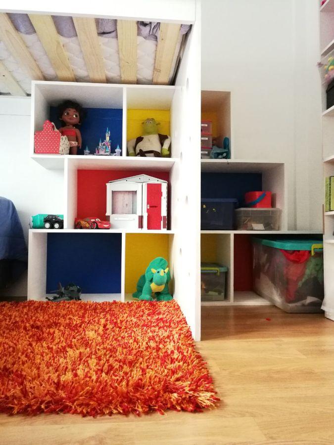 Cama niños + biblioteca
