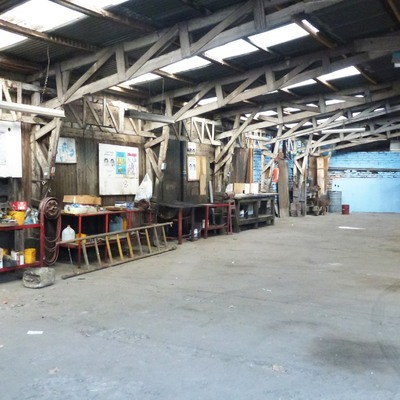 Garage Italia - Galpón existente