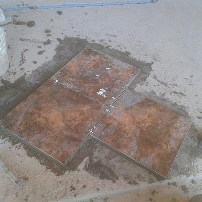 ceramica en piso muy desnivelado